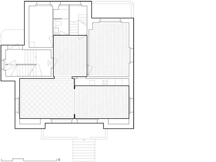 Transformation de deux appartements isolés en un duplex dans une maison urbaine. Maître de l'ouvrage : privé.