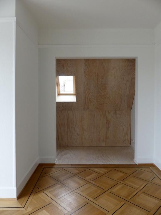 Aménagement des combles dans un immeuble locatif à Lausanne. Maître de l'ouvrage: privé. Collaborateur: Nazario Branca.