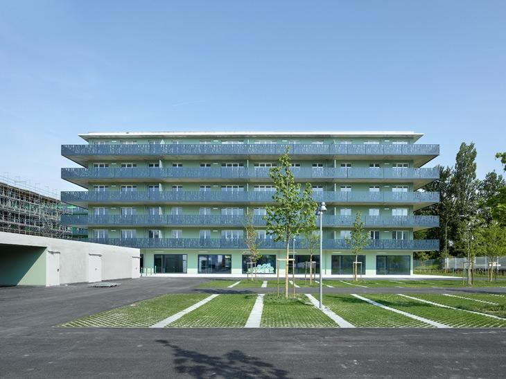 Bâtiment de 90 logements, chemin de la Coupe Gordon-Bennett, Vernier, Genève. Directeur de projet, collaborateur chez LRS architectes, Genève.
