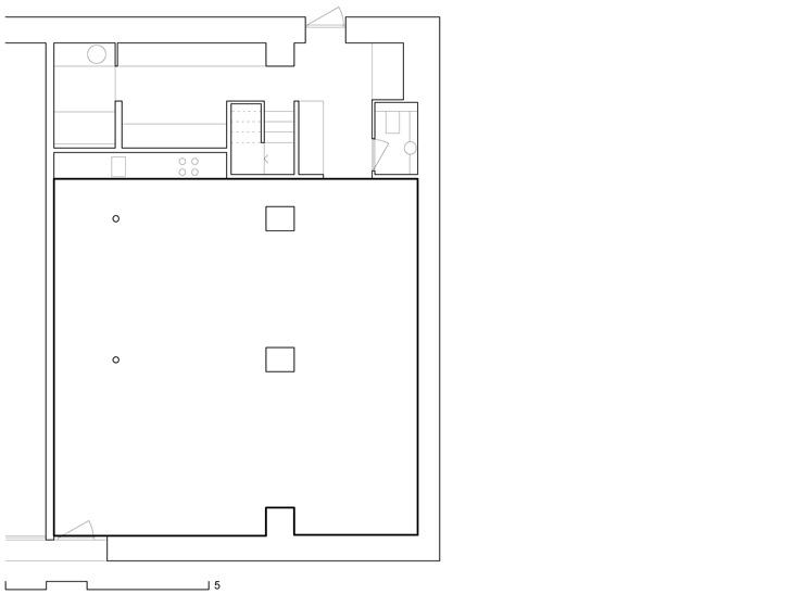 Transformation en loft d'une ancienne menuiserie dans une cour en centre-ville, Genève. Maître de l'ouvrage : privé. En association avec Daniela Liengme Architectes.