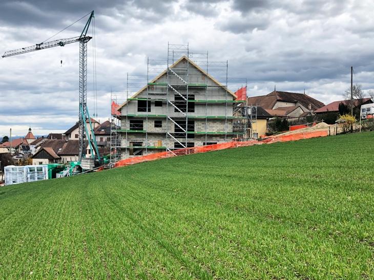 Construction d'une maison de six logements à Valeyres-sous-Rances, Vaud. Maître de l'ouvrage: privé.